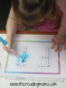 letter F coloring and tracing