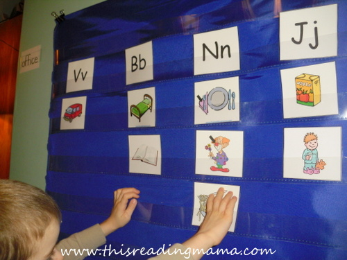 photo of initial sound picture sort with cards | This Reading Mama