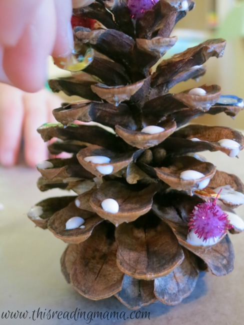Pine cone christmas trees craft for Pine cone christmas ornaments for kids