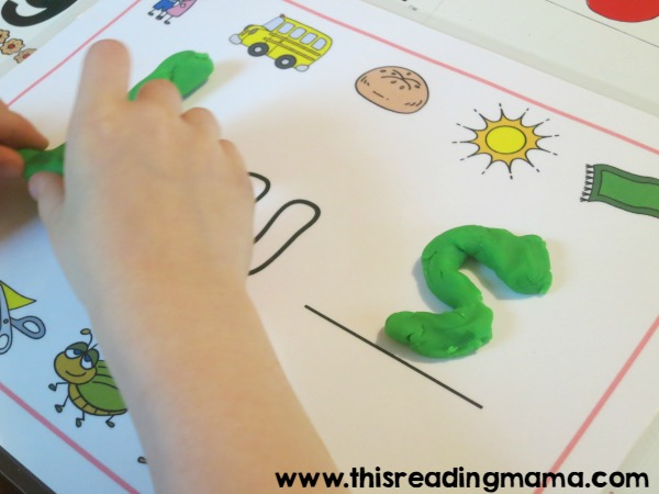 spelling BUS on short u playdough mat